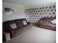 Reclining 3 & 2 seater sofas