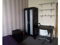 Double Room with modern furniture inc all Bills - NO DEPOSIT option (3+ month contract considered)