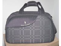 Lovely Holiday Travel Bag or Sports Holdall – unwanted gift – bargain at £20 o.n.o