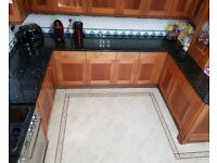 high quality kitchen with granit worktops in good condition