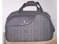 Lovely Holiday Travel Bag or Sports Holdall - as new condition – bargain at £20