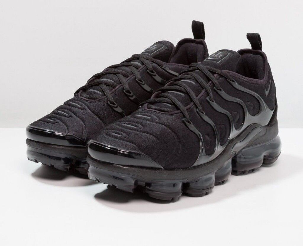 Nike Air Vapormax Plus Trainers Black Size 11 5 In