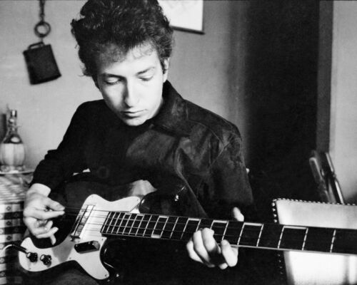 1964 Famous Singer Songwriter BOB DYLAN w/ Guitar Glossy 8x10 Photo Print Poster