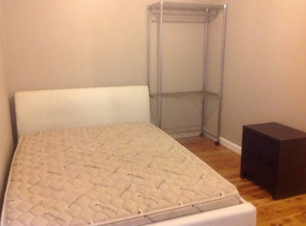 1 bedroom fully furnished flat in Newcastle near beach and CBD