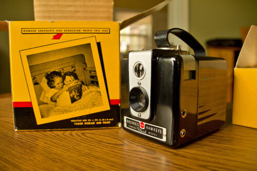 Vintage Kodak Brownie Hawkeye Camera Flash Model with Kodalite Midget Flasholder
