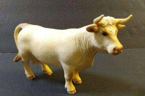 2005  Schleich Germany Charolais Cow White Dairy Farm Figure. (a)