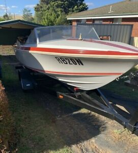 Savage Electra 4.8m boat