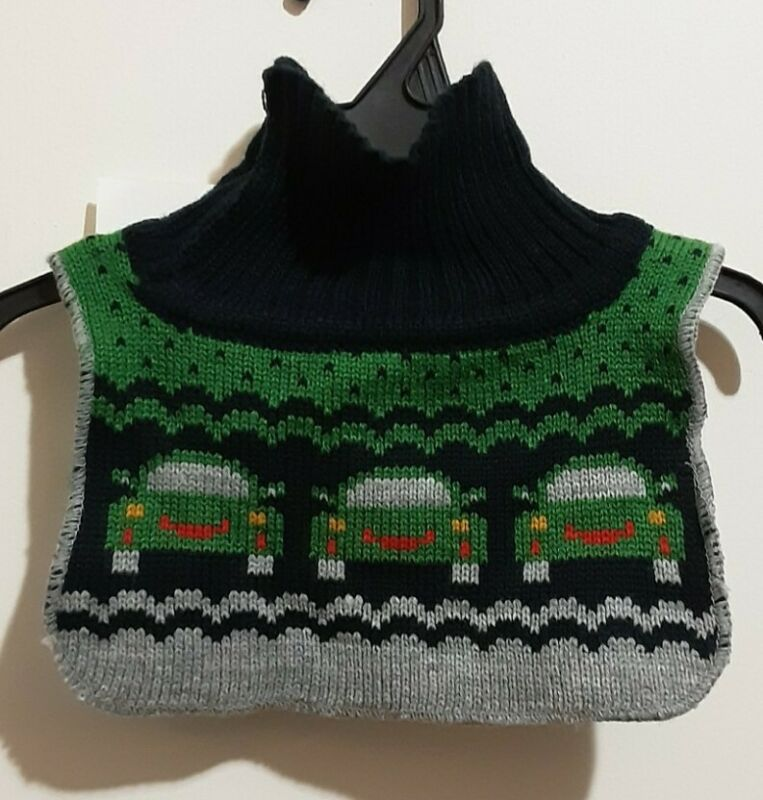 H&M Baby Toddler NWT Knit Turtleneck Bib Scarf One Size.