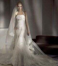 Pronovious wedding dress