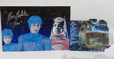 TRON : TRON PHOTO SIGNED BY BRUCE BOXLEITNER WITH RECOGNIZER MODEL