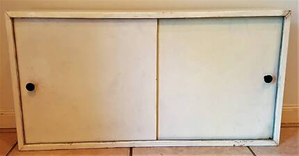 Bathroom Wall Cabinet – Retro – Pick-up Only – No Delivery Greenwith Tea Tree Gully Area Preview