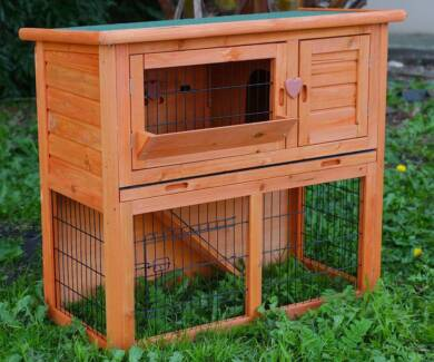 Rabbit Hutch Cage with Plastic Pull Out Tray & Hay Catcher rh041