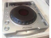 PIONEER CDJ 800MK2 (SPARES OR REPAIRS)