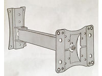 "Quality sTV wall bracket, turns&tilts,suitable for up to 32"", bargain at £30"