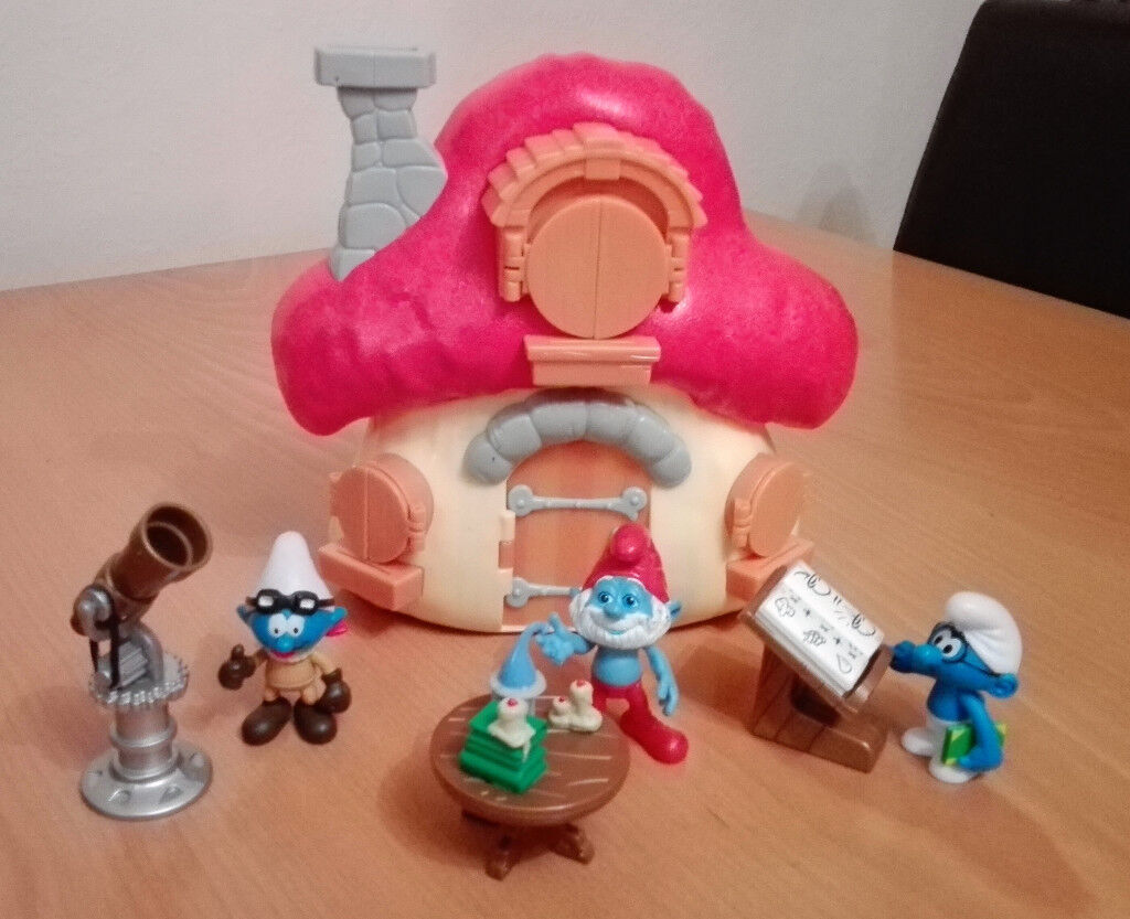 e81b4b01eed Papa Smurf Mushroom House with 3 figures/accessories   in Hertford,  Hertfordshire   Gumtree