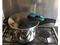 Fast pressure cooker