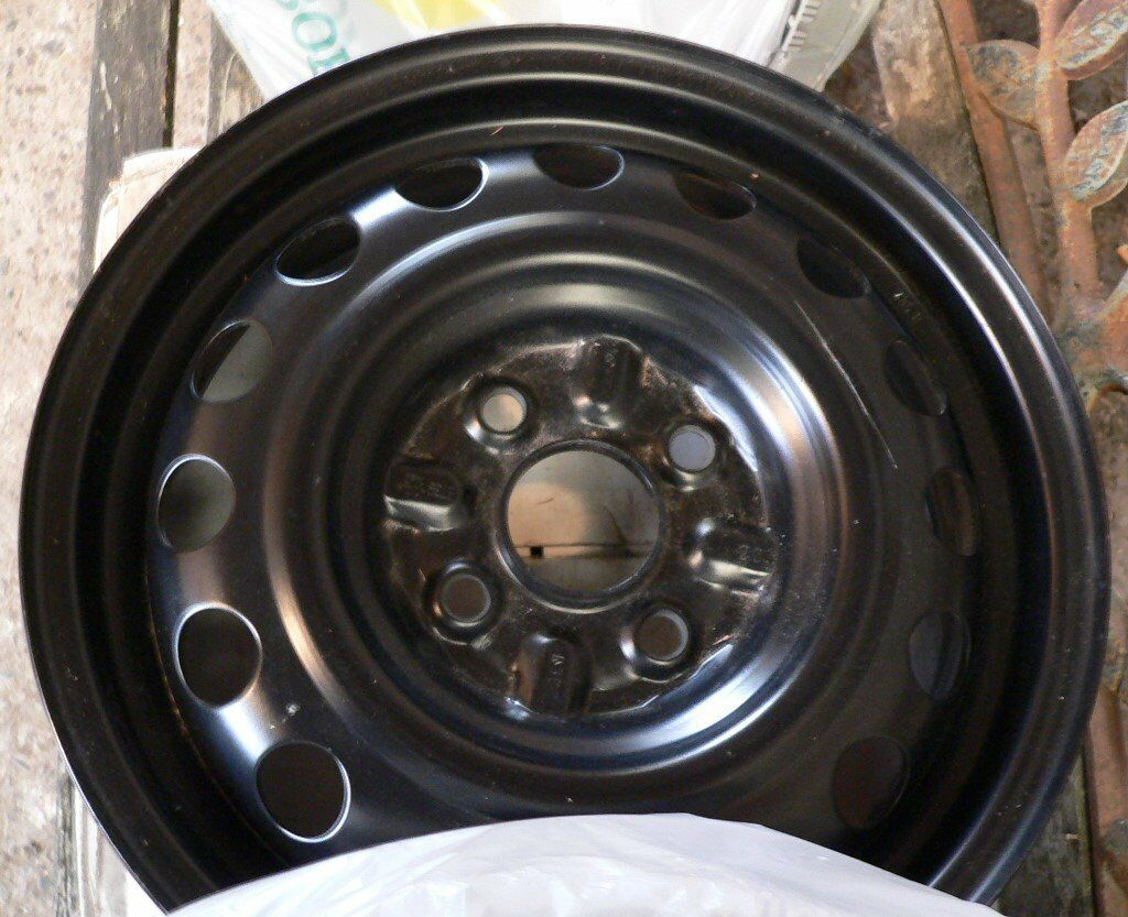 peugeot 107 steel wheels (1 set) with trims (new). | in carlisle