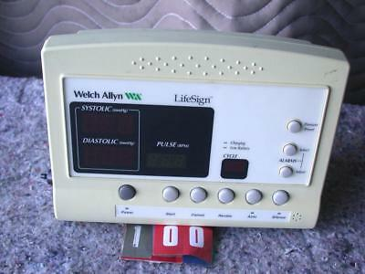 Welch Allyn Lifesign 52000 Series Patient Vital Signs Monitor