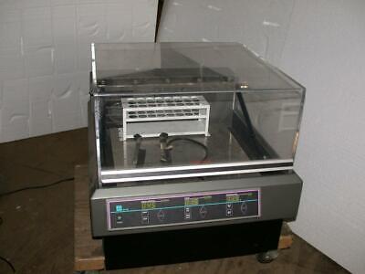 Lab-line 4628 Digital Benchtop Incubator Heated Lab Environmental Orbital Shaker