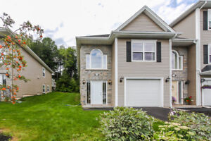 17-104 Beautifully maintained, shows like new. Lwr Sackville