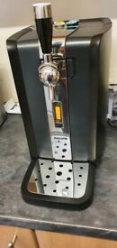 Philips Perfect Draft Beer Machine with Kegs