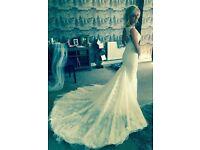 ESSENSE of AUSTRALIA WEDDING DRESS SIZE 8 D1788ZZ