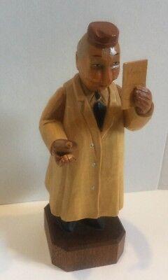Woodenware Decorative Arts Vintage Wood Carved Medicine Doctor Internist Figurine Novelty Gift Rare Pair