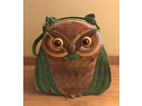 Lovely unusual owl handbag in great condition