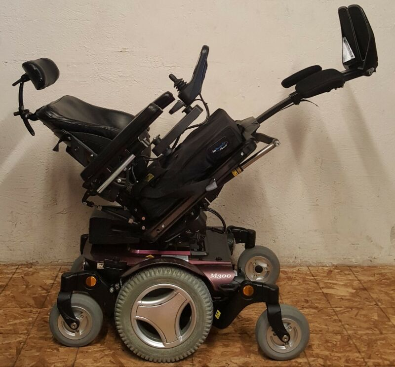 Permobil M300 Wheelchair With Power Tilt,recline,legs