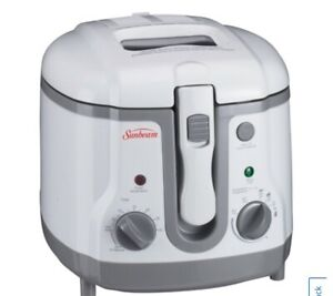 Sunbeam Deep Fryer - 1.5L - White