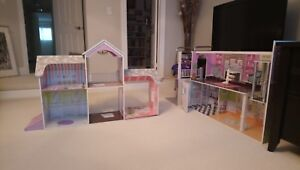Kidcraft Dollhouse!! Excellent Condition