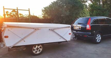 1970 Camper Trailer - Sunwagon - lightweight & easy to tow