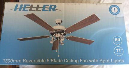 4x Heller Ceiling Fan With Spotlights