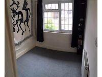 Llittle but cosy single room in Ealing