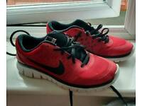 Boys Nike trainers size 5 &1/2