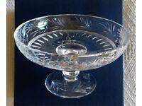 NEW UNUSED VINTAGE 1990 STUART CRYSTAL GLASS COMPORT BOWL Edwardian Design Leaf Berry Collectors