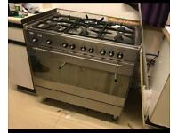 Gas cooker £280