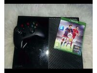 Fully working Xbox One console with Fifa 16 with a half working controller