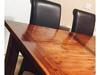 Dining room table. Extendable