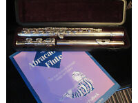 Yamaha YFL 211 Flute in case - good key work, good pads, good case with book