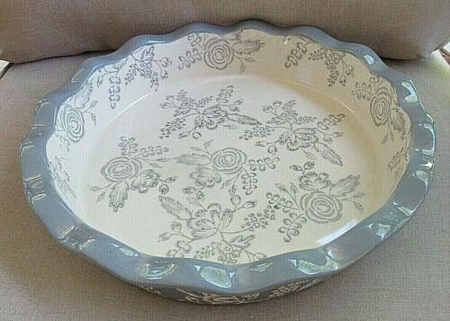 "Blue Harbor Wedgewood Blue/ White Floral Ceramic Round  Ruffle Pie Plate 10"""