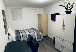 $900/month Newly Renovated West-End Furnished Kitchenettes