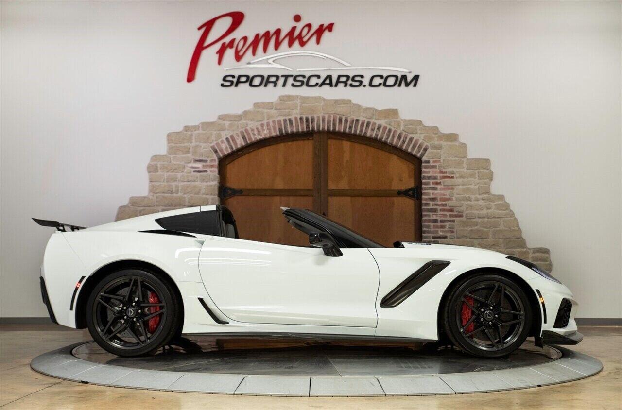 2019 White Chevrolet Corvette ZR1 3ZR   C7 Corvette Photo 3