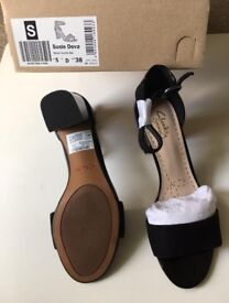 Clarks Leather shoes size5-6