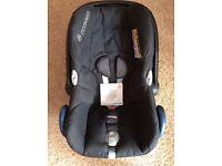 MaxiCosi Cabriofix car seat & FamilyFix base plus pram frame, rain cover - great condition!
