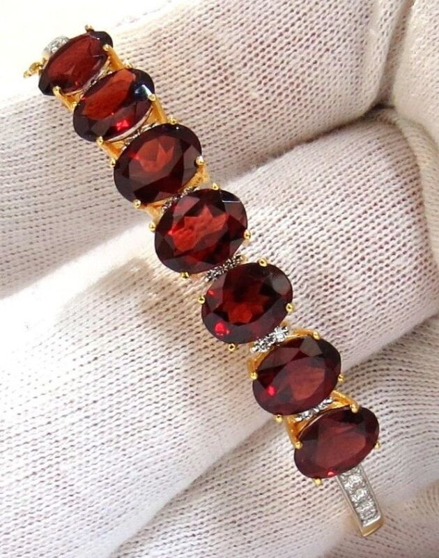 16.75ct Natural Red Garnet Diamonds Bangle Bracelet 14kt+