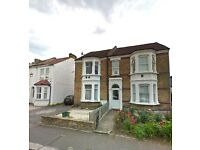 THREE BED FLAT - MONTAGUE ROAD - HOUNSLOW CENTRAL