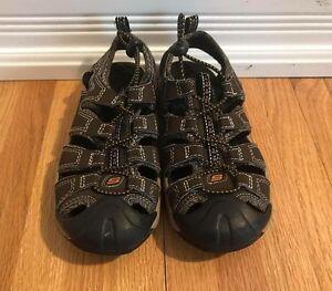 LIKE NEW size 13 Sketcher Sandals