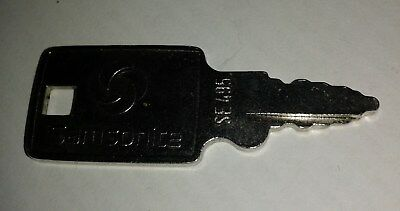 Original Vintage Samsonite Metal Replacement Key No. SE 495