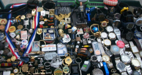 LOT OF VINTAGE/NOW MENS WATCHES JEWELRY TRINKETS JUNK DRAWER VARIETY